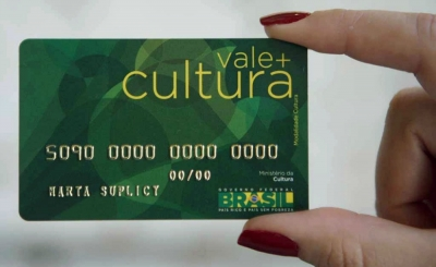 Cobra diz que estuda o pagamento retroativo do Vale Cultura